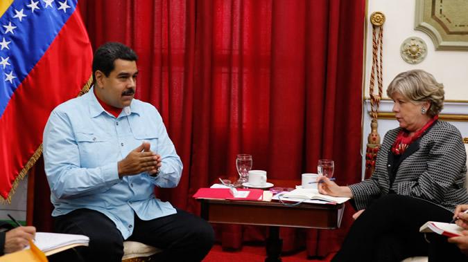 Foto del Presidente de Venezuela junto a la Secretaria Ejecutiva de la CEPAL