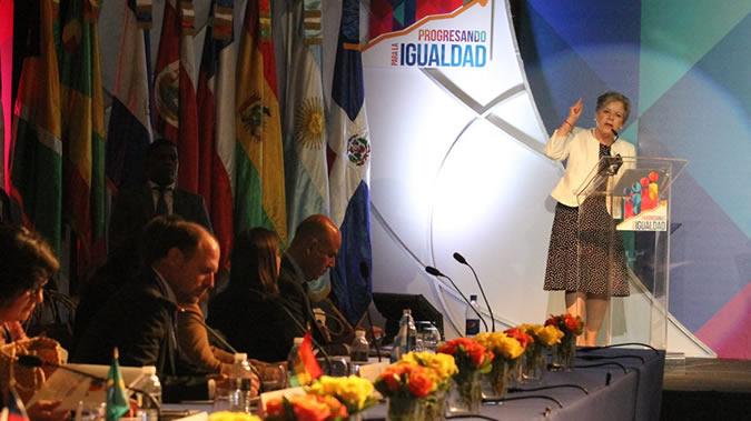 La Secretaria Ejecutiva de la CEPAL, Alicia Bárcena, durante su intervención en la apertura del VIII Foro Ministerial para el Desarrollo en América Latina y el Caribe.