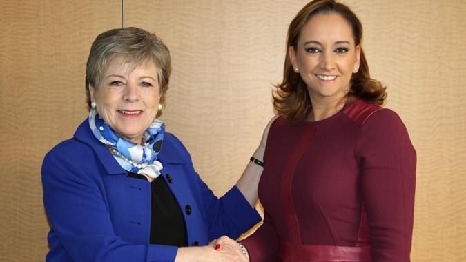 La Secretaria Ejecutiva de la CEPAL, Alicia Bárcena, y la Canciller de México, Claudia Ruiz Massieu