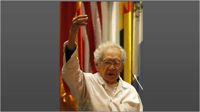 Poeta Thiago De Mello Llama A Trabajar Por La Integración