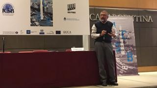 Mario Cimoli, Director de Desarrollo Productivo y Empresarial de la CEPAL, durante la charla magistral en la conferencia ICSB.