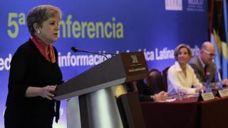 Alicia Bárcena, Secretaria Ejecutiva de la CEPAL, habla al cierre de la reunión.