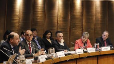 Panel de la sesión Continuidad en la implementación de la Agenda 2030 y nuevos desafíos.