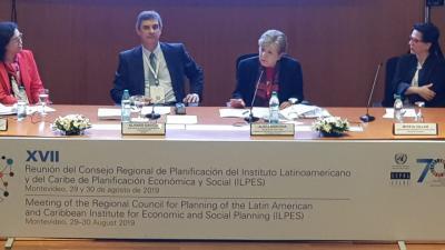 Panel de inauguración de la XVI Conferencia de Ministros y Jefes de Planificación.