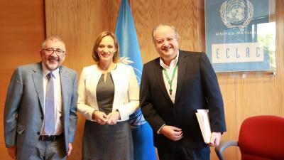 El Ministro del Trabajo y Previsión Social de Chile, Nicolás Monckeberg, la Senadora Carolina Goic y el Secretario Ejecutivo Adjunto del organismo regional, Mario Cimoli, inauguraron seminario en Santiago.