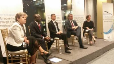 Panelistas en la conversación de alto nivel de UNCTAD.