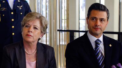 Alicia Bárcena junto al Presidente de México