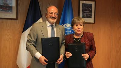 Firma de convenio entre Francia y la CEPAL