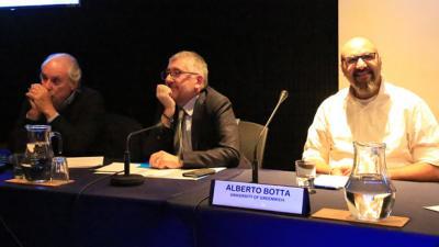De izquierda a derecha: Jorge Katz, Mario Cimoli y Alberto Botta.