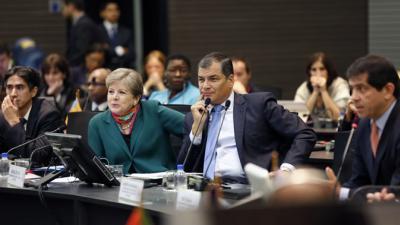 La Secretaria Ejecutiva de la CEPAL, Alicia Bárcena, y el Presidente de Ecuador, Rafael Correa, durante la inauguración de la octava reunión de la Conferencia Estadística de las Américas de la CEPAL.