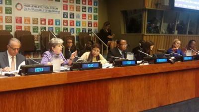 Alicia Bárcena, Secretaria Ejecutiva de la CEPAL (la segunda de izquierda a derecha), en el Foro Político de Alto Nivel sobre el Desarrollo Sostenible en Nueva York.