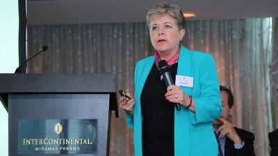 Alicia Bárcena, Secretaria Ejecutiva de la CEPAL, durante el seminario realizado en Panamá.