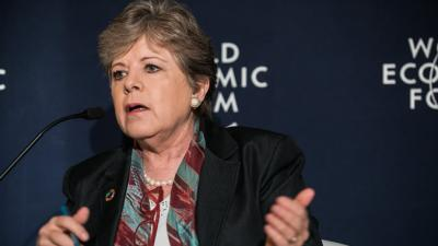 Alicia Bárcena, ECLAC Executive Secretary, in the World Economic Forum 2017 meeting.