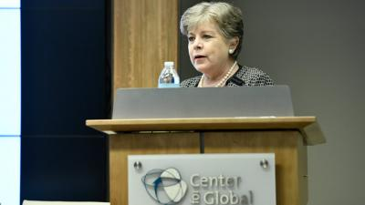 Alicia Bárcena, ECLAC Executive Secretary during her presentation in Washington D.C.