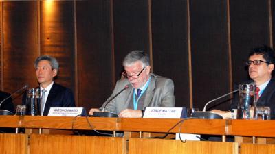 De izquierda a derecha, el Embajador de la República de Corea en Chile, Ji-Eun Yu; el Secretario Ejecutivo Adjunto de la CEPAL, Antonio Prado, y el Director del ILPES, Jorge Máttar.