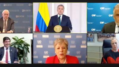 Foto grupal lanzamiento informe LEO 2020