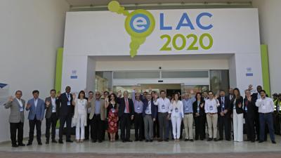 Foto grupal de los asistentes a la Sexta Conferencia Ministerial sobre la Sociedad de la Información en América Latina y el Caribe
