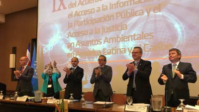 Fotografía del momento de la adopción del Acuerdo de Escazú