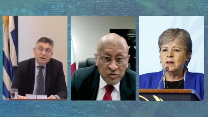 De izquierda a derecha, Isaac Alfie, Director de la OPP de Uruguay; Héctor Alexander, Ministro de Economía y Finanzas de Panamá, y Alicia Bárcena, Secretaria Ejecutiva de la CEPAL.