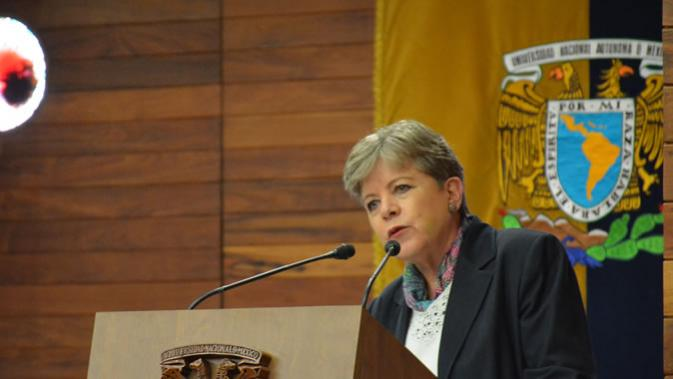 Alicia Bárcena, Executive Secretary of ECLAC, during her keynote speech.