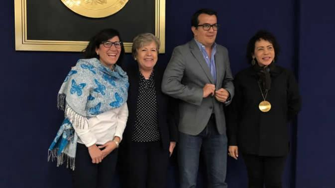 foto de la visita a El Salvador