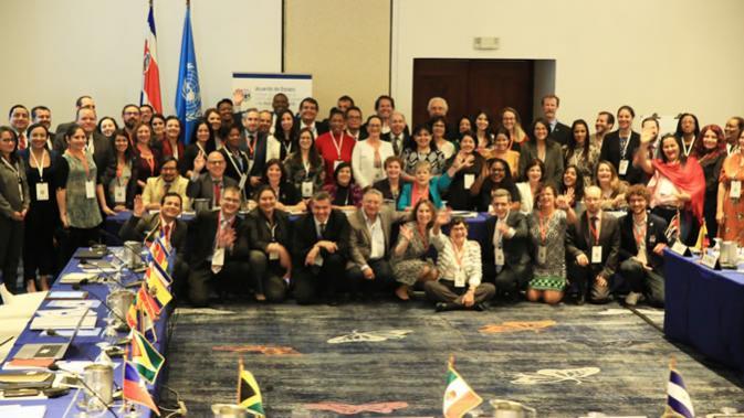 Foto grupal de los participantes en la primera reunión de países signatarios del Acuerdo de Escazú