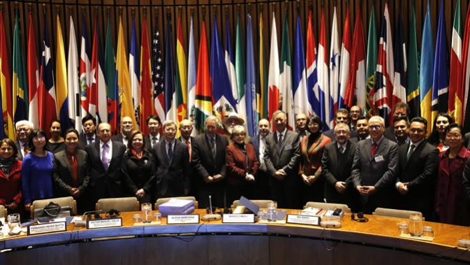 Group photo of the delegates attending the forum
