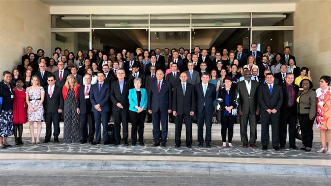 Foto grupal de los delegados asistentes a la Novena Reunión del Comité de Negociación del Acuerdo Regional sobre el Principio 10
