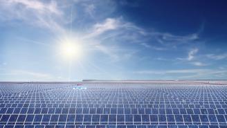 Granja de Paneles Solar en el desierto