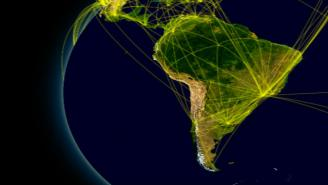 Mapa de América Latina con líneas relacionando las ciudades (rutas de vuelo)