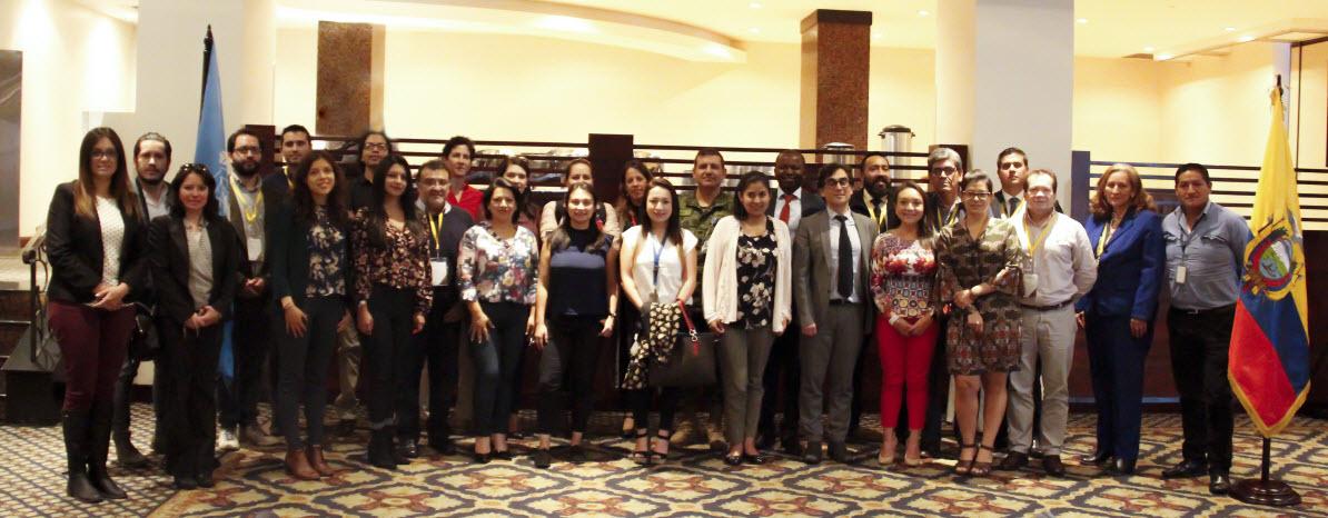 """Participantes del """"Taller de monitoreo y reporte de indicadores de asentamientos humanos para el seguimiento de los Objetivos de Desarrollo Sostenible (ODS) y la Nueva Agenda Urbana"""""""